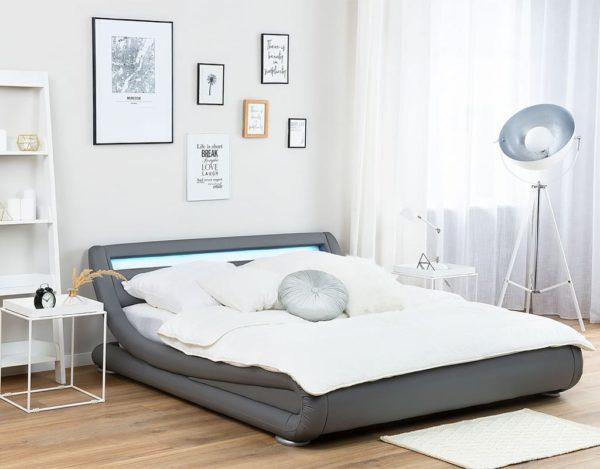 Двуспальная кровать подстветкой