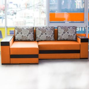 Оранжевый диван угловой