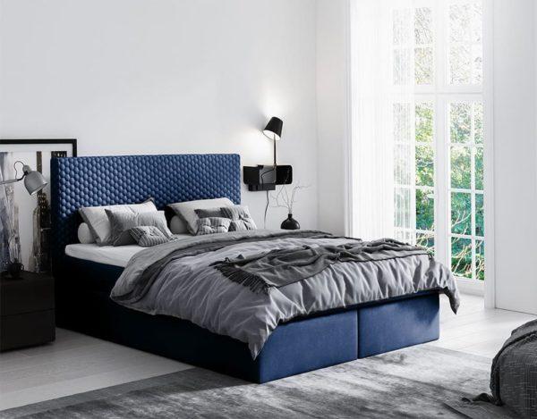 Синяя красивая кровать