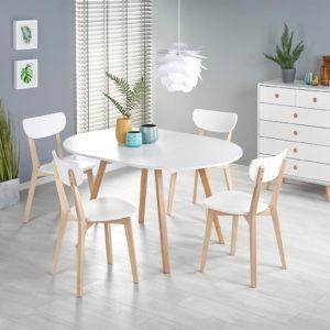 Стол и четыре стула