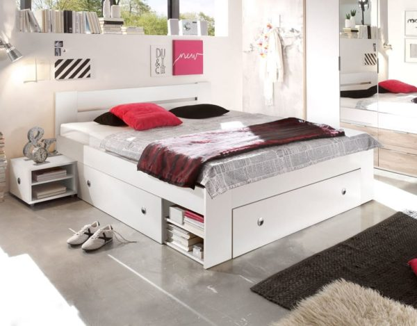 Белая кровать Stefan
