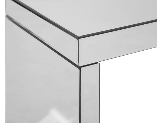 Зеркальный прикроватный столик